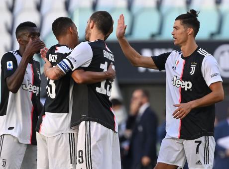 Dybala Show E Buffon Da Record 4 1 Juve Nel Derby Al Torino 7 Sulla Lazio Serie A Calciomercato Com