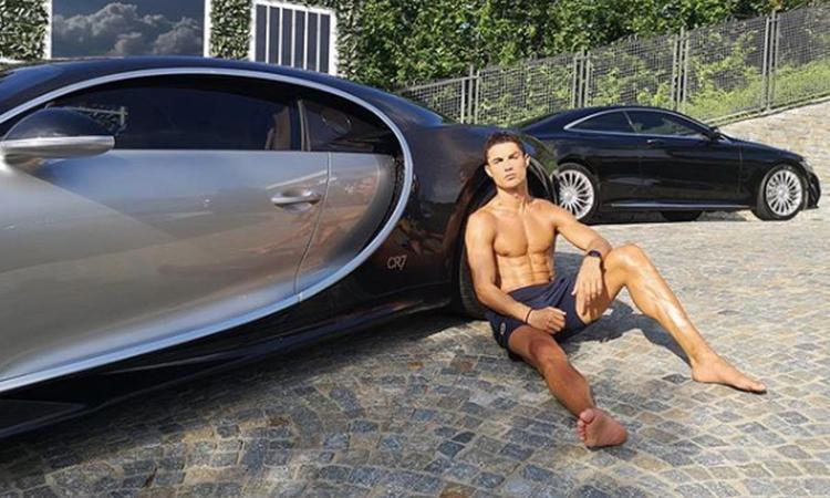 Juve, Ronaldo si regala una Bugatti Chiron: auto da 3 milioni di euro