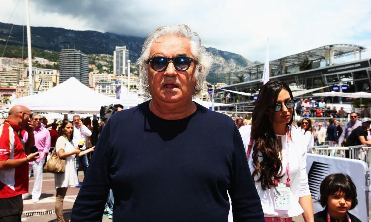 Briatore: 'Ho la prostatite'. Ma il San Raffaele lo smentisce: 'E' positivo al coronavirus'. E il web si scatena FOTO