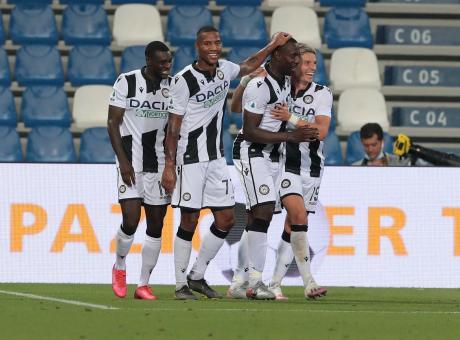 Serie A La Classifica Finale La Fiorentina Chiude Con Un 3 1 Alla Spal Sassuolo Ko Con L Udinese Bologna Torino 1 1 Serie A Calciomercato Com