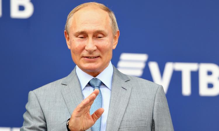 Doping, ridotta a 2 anni la squalifica della Russia: salta Olimpiadi di Tokyo, Pechino 2022 e i Mondiali in Qatar