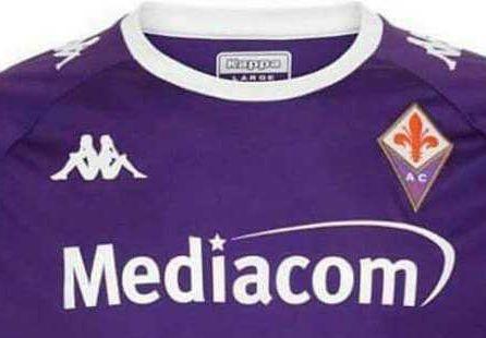 Fiorentina, Kappa svela a sorpresa la nuova maglia   Serie A ...