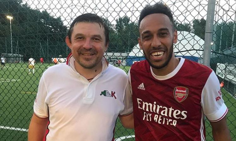 Aubameyang gioca in Italia, ma solo a calcetto: rinnovo vicino con l'Arsenal, l'Inter...