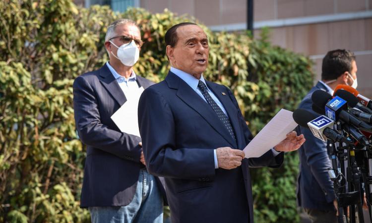 Primo tampone negativo per Berlusconi: si attende l'esito del secondo test Covid