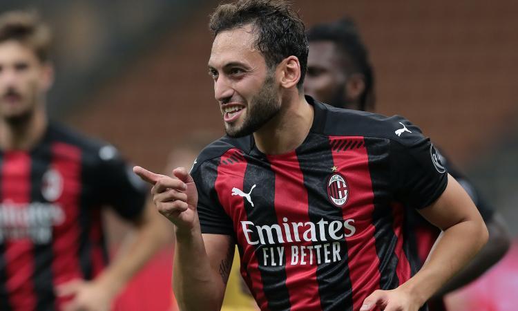 Milan-Calhanoglu, distanza per il rinnovo: l'Inter si informa