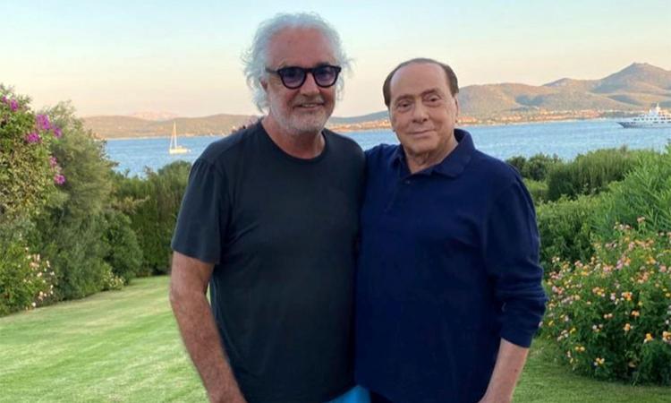 Covid, Berlusconi ricoverato al San Raffaele: 'Polmonite bilaterale allo stato precoce, carica virale importante'