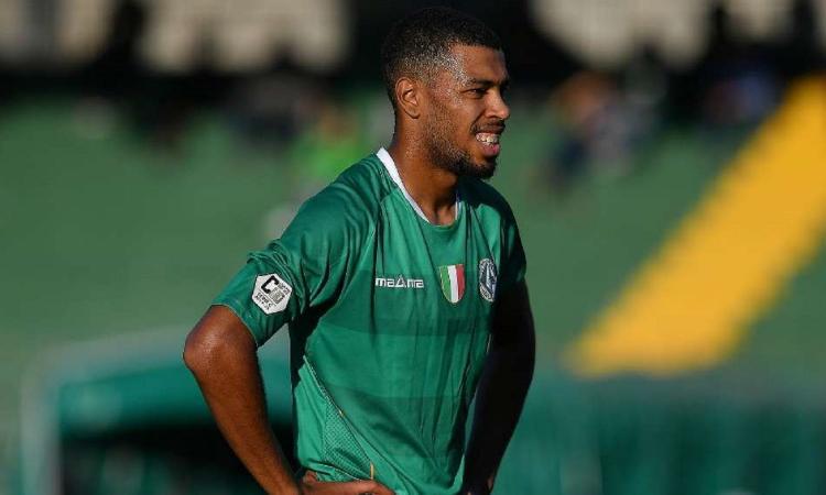 Genoa, un attaccante rientra dal prestito alla Reggina