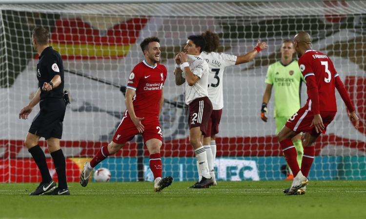 Il Liverpool ribalta l'Arsenal e resta in testa a punteggio pieno: segna anche l'esordiente Jota