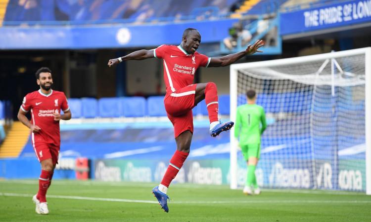 Mané show, Alisson para un rigore: Chelsea-Liverpool 0-2