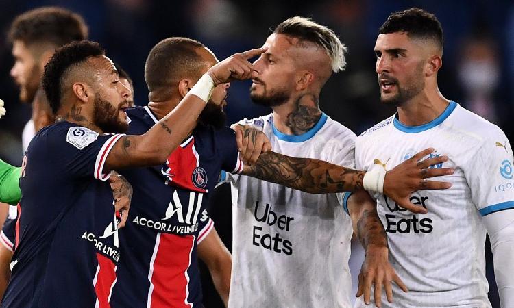 Botte in campo e razzismo, lo scontro tra Neymar e Alvaro Gonzalez prosegue sui social. L'Equipe: 'Imbecilli'