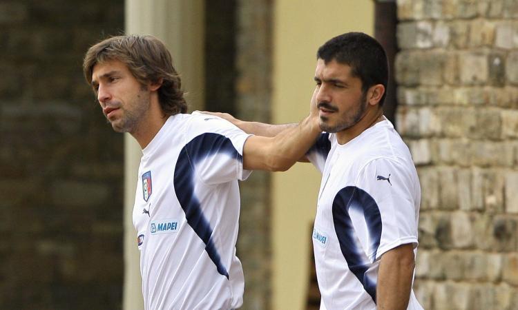 Una sola volta da avversari, per sempre amici: Pirlo e Gattuso, sul tetto del mondo tra gag e schiaffoni