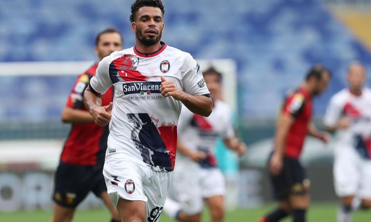 Riviere 'in piena', il bomber giramondo che ha trovato casa in  Calabria: gol in Premier, Ligue 1 e Serie A