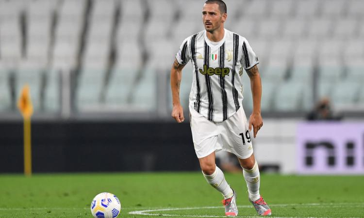 Juve, Bonucci bersagliato dai tifosi dopo l'errore con il Crotone