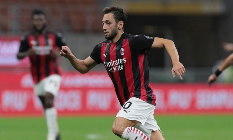 Milan, Calhanoglu pienamente recuperato: in campo dal 1' con la Roma