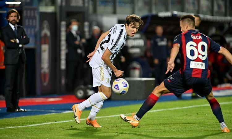 Crotone-Juve, la MOVIOLA: rosso a Chiesa! Il Var annulla un gol a Morata. Bonucci su Reca, è rigore