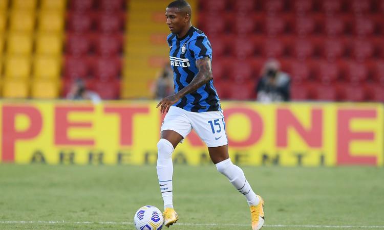 Inter, Young: 'Al primo giorno Conte mi fece fare questo esercizio. Chiesi cosa fosse, avevo lo sguardo perso'