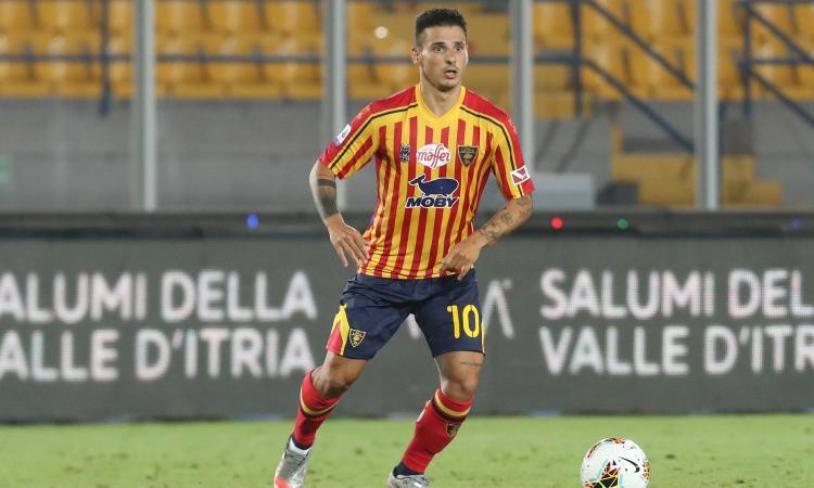 Serie B, Falco-gol al 93': il Lecce batte il Chievo e vola da solo in vetta