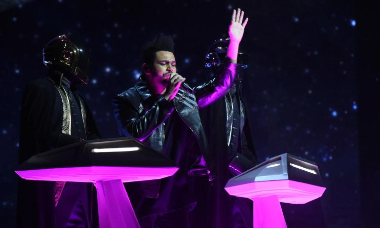 The Weeknd al Super Bowl: garantisce Jay-Z, in affari con Lukaku e il Milan
