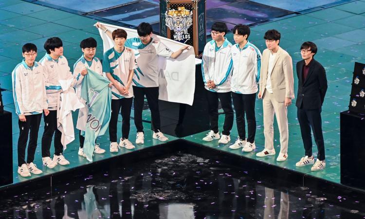 Gli auguri dell'Inter non bastano a Suning: il Mondiale di League of Legends va a Damwon Gaming FOTO e VIDEO