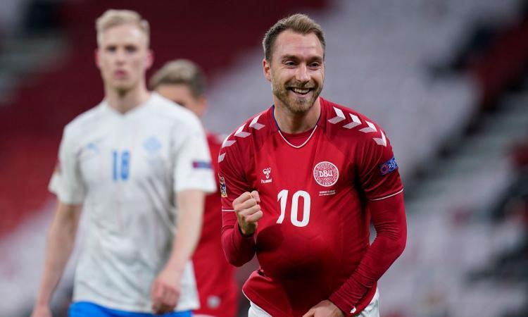 Momenti Di Gioia, Eriksen esulta col 'pancione' e avvisa la Danimarca: 'Questa volta il parto è programmato meglio'
