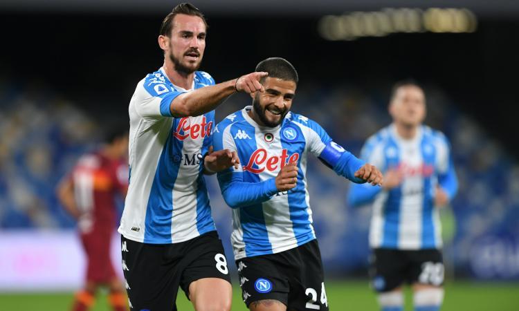 Napoli show: 4-0 e aggancio a Roma e Juve