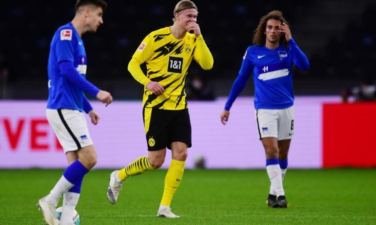 Bundesliga: frenata Bayern, risalgono a -1 Leverkusen e Dortmund con poker di Haaland. Esordio del 16enne Moukoko