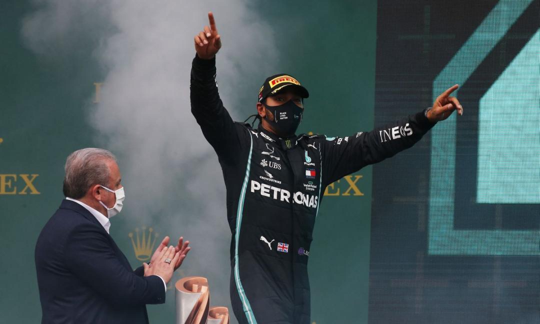 F1: GP del Bahrain concluso: vince Hamilton, Ferrari 5 e 8.