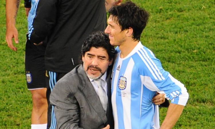 Burdisso a CM racconta Maradona ct: 'Intuizioni e colpi di genio, era il mio eroe. Ogni sera prima delle partite...'