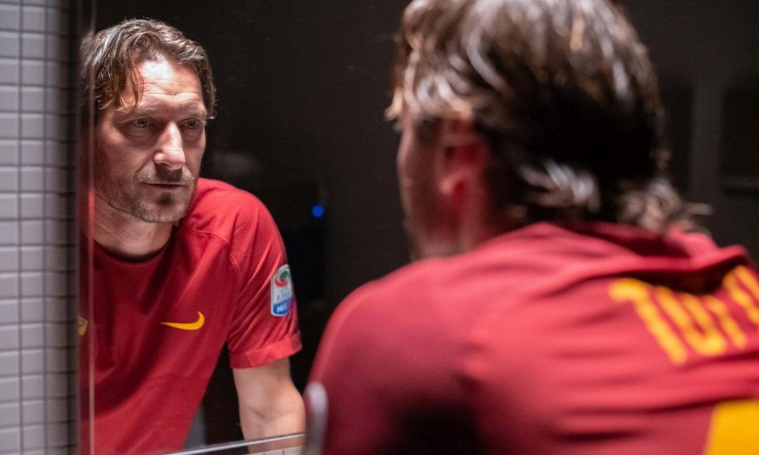 """""""Mi chiamo Francesco Totti"""" non parla di calcio..."""