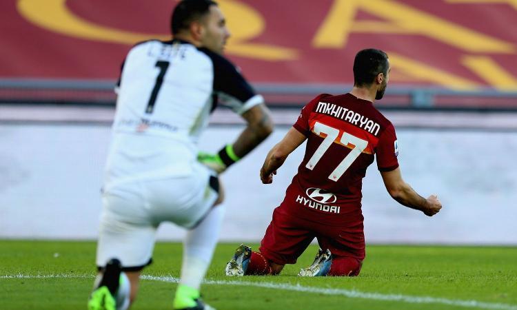 Roma, con il Parma è una passeggiata: 3-0 con super Mkhitaryan, Milan agganciato