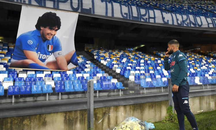 Napoli-Roma: Insigne omaggia Maradona, la Curva A: 'La tua scomparsa un dolore al cuore, ti giuriamo eterno amore'