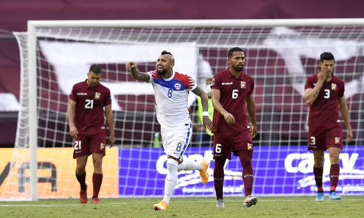 Inter, Vidal segna ancora: terzo gol in due partite col Cile. Adesso basta limitarlo