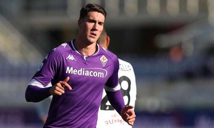 Vlahovic: 'Maglia e dedica in serbo, Ibra è unico. Mercato? Sono aperto a ogni discorso con la Fiorentina'