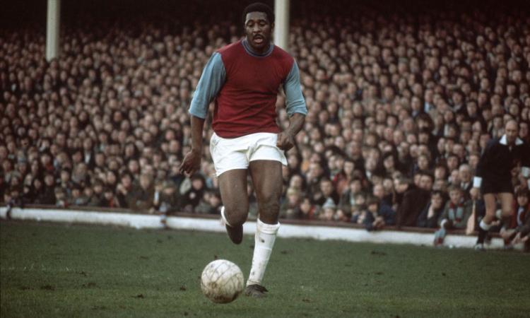 Clyde Best, storia del primo calciatore vittima di razzismo in Inghilterra: sapeva solo segnare gol belli