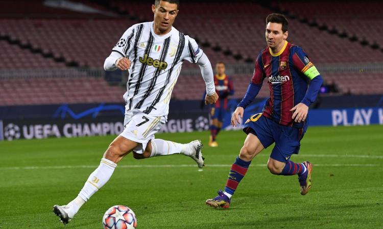 Ronaldo 'Giocatore del Secolo' ai Globe Soccer Awards: 'Non inseguo i record, loro inseguono me'. Da Lewandowski a Flick e Mendes: tutti i vincitori