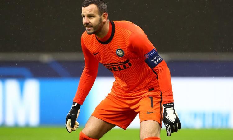 Handanovic: 'L'Inter fa di nuovo paura. La fascia dopo Icardi? Leggera. Grazie a Conte. Onana? Io sto ancora bene. Futuro, Champions e gli errori... '