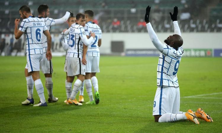 L'Inter ringrazia Lukaku e il VAR, ma la difesa è da brividi: così in Europa non si va lontano