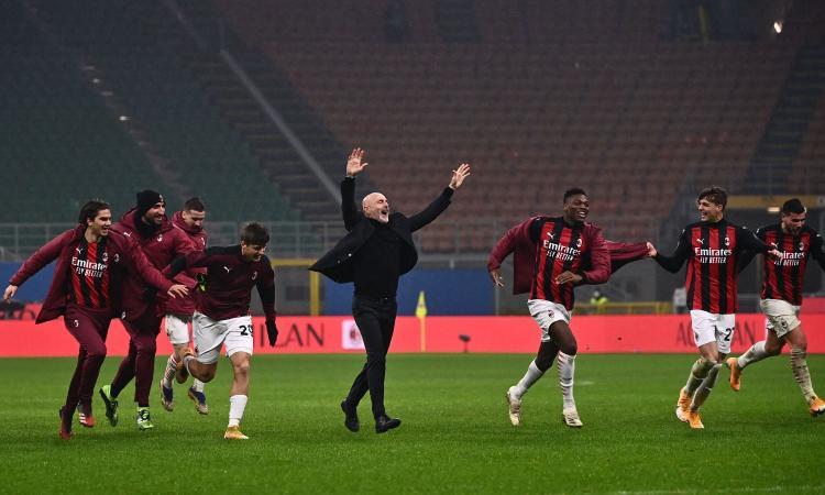 Theo gela l'Inter, Pioli primo a +10 sulla Juve: Milan, è il Natale più dolce! Ma il regalo lo fa Inzaghi