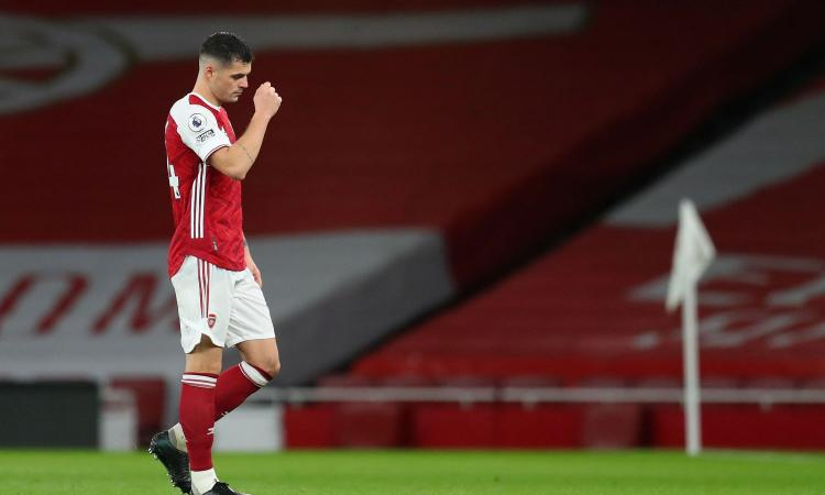 Roma, Xhaka si avvicina e punge l'Arsenal