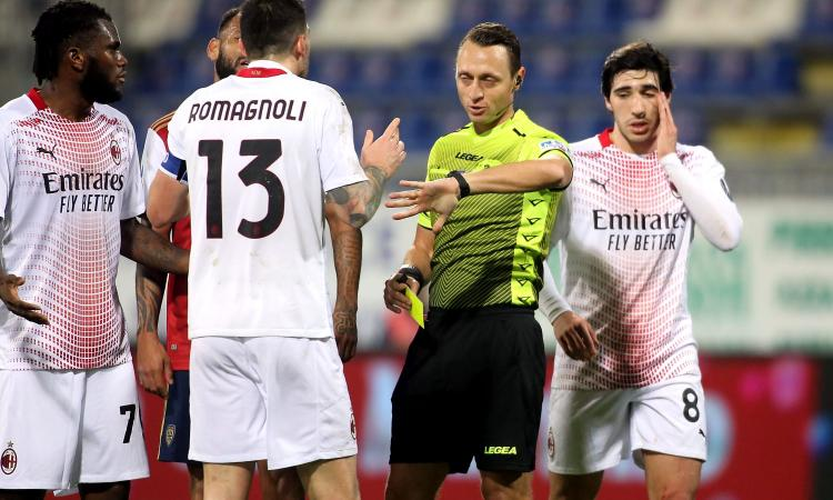 Cagliari-Milan, la MOVIOLA: rigore su Ibra, Sottil ne chiede uno. Saelemaekers espulso, Romagnoli squalificato con l'Atalanta