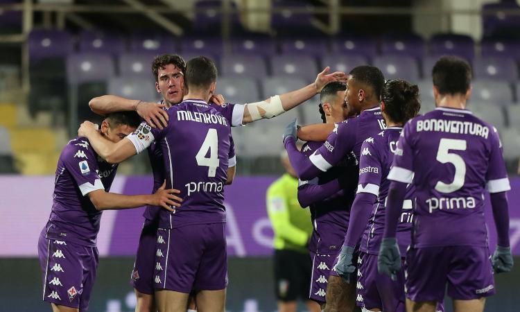 Super Dragowski e il solito Vlahovic: la Fiorentina vince 1-0. Crisi nera Cagliari
