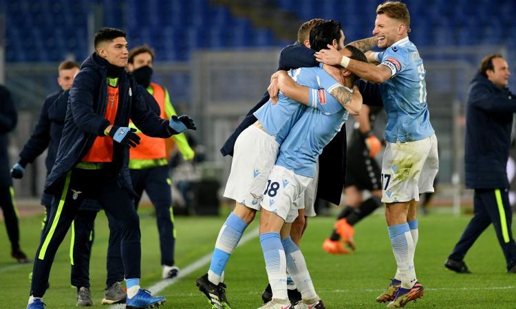 Lazio padrona assoluta del derby: massacrata una Roma moscia e pessima in difesa, è aggancio Champions