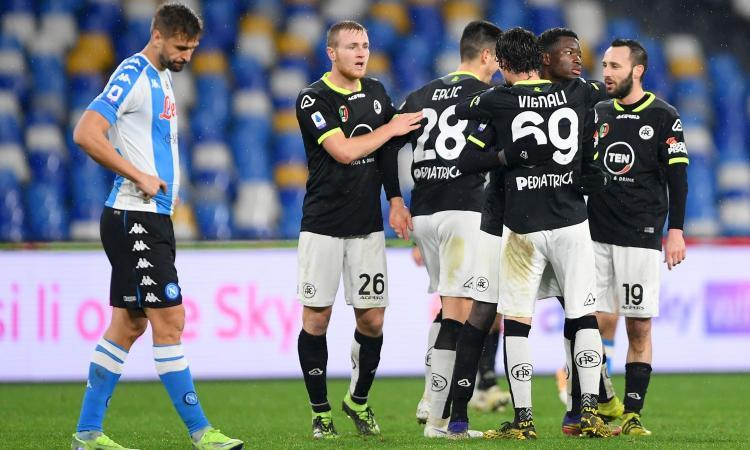 Il Napoli domina, ma si butta via e perde con lo Spezia. Gattuso sbaglia tanto e non ha una squadra da scudetto