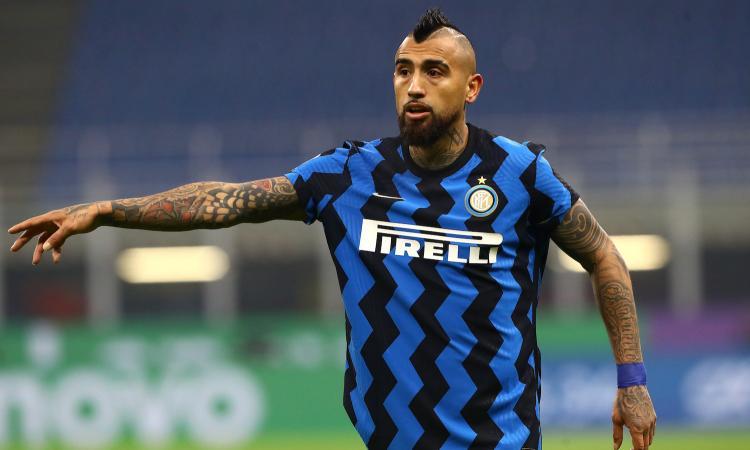 Vidal: 'Non volevo baciare lo stemma della Juve, ma Chiellini. Darò l'anima per l'Inter'