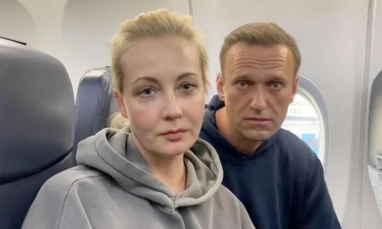 Proteste in Russia contro Putin, più di tremila arresti: c'è anche Yulia, la moglie di Navalny