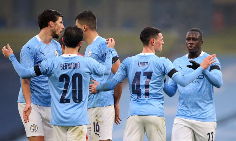 Premier League: City forza 5, è sorpasso sullo United in testa. Vincono Arsenal, Leeds e West Ham