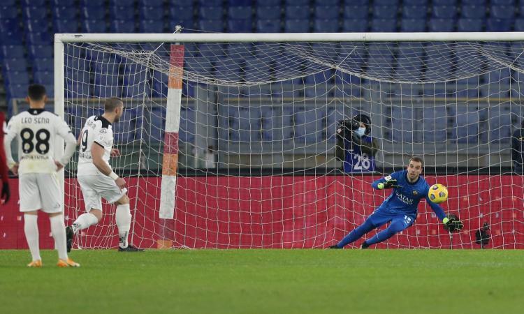 Coppa Italia, rivivi la MOVIOLA: un rigore a testa, dubbio quello per lo Spezia. Roma, due rossi in 30 secondi!