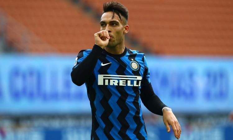 Inter, si tratta il rinnovo di Lautaro. Gli agenti in sede: 'Felice all'Inter, la clausola...'