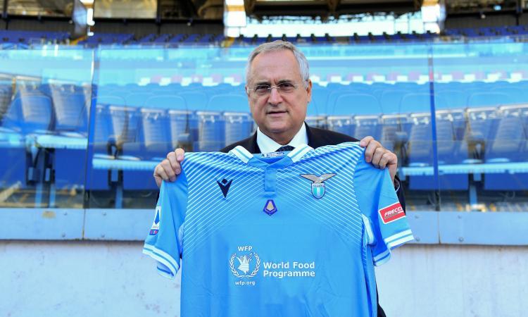 Lazio gemellata con la nazionale dei sacerdoti: scambio di maglie con Lotito prima del derby contro la Roma