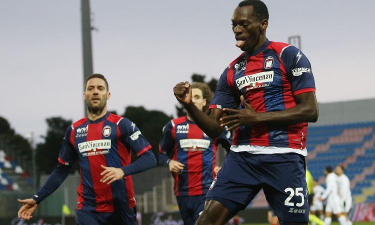 Crotone - Benevento, le pagelle di CM: Simy torna protagonista, Vulic tanta qualità, Glik disatroso
